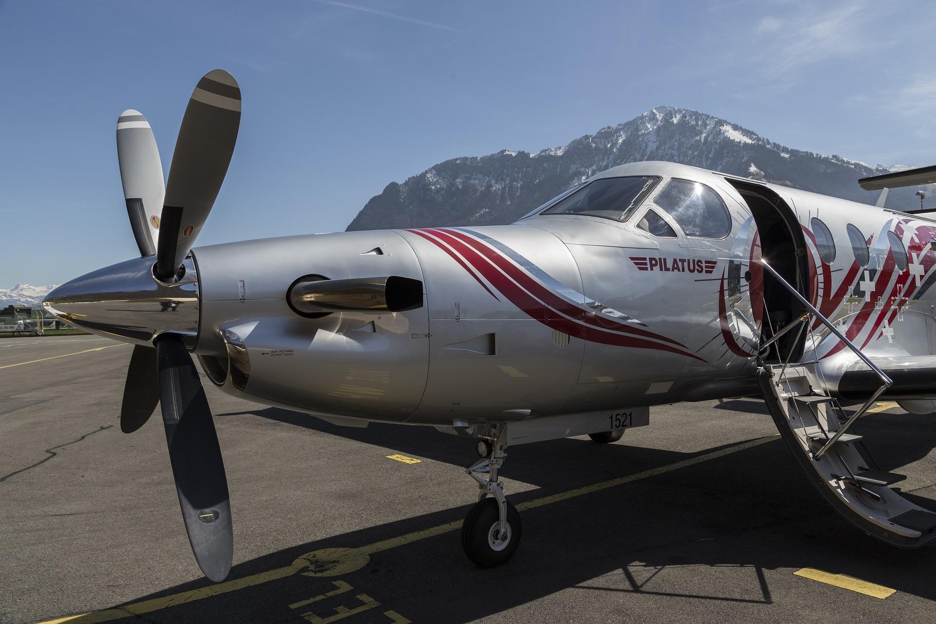 Pilatus PC-12 aircraft image